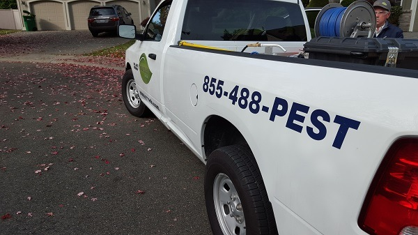 Croach Pest Control - Beaverton, Oregon Service Vehicle